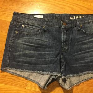 GAP cutoff Jean shorts